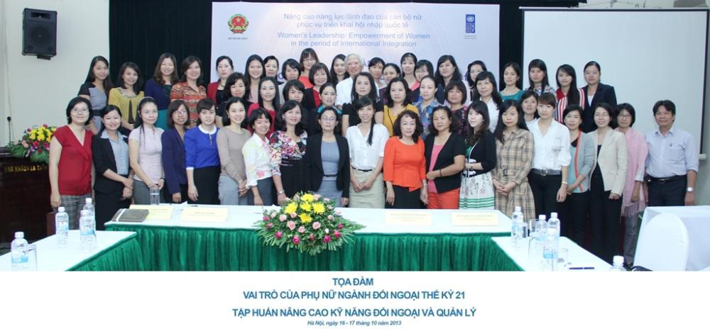 Tọa đàm vai trò của phụ nữ ngành đối ngoại thế kỷ 21 và lớp tập huấn Nâng cao kỹ năng đối ngoại và quản lý