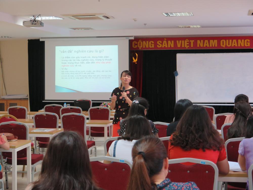 Học viện Phụ nữ Việt Nam tổ chức lớp Bồi dưỡng cơ bản Nghiệp vụ công tác Hội
